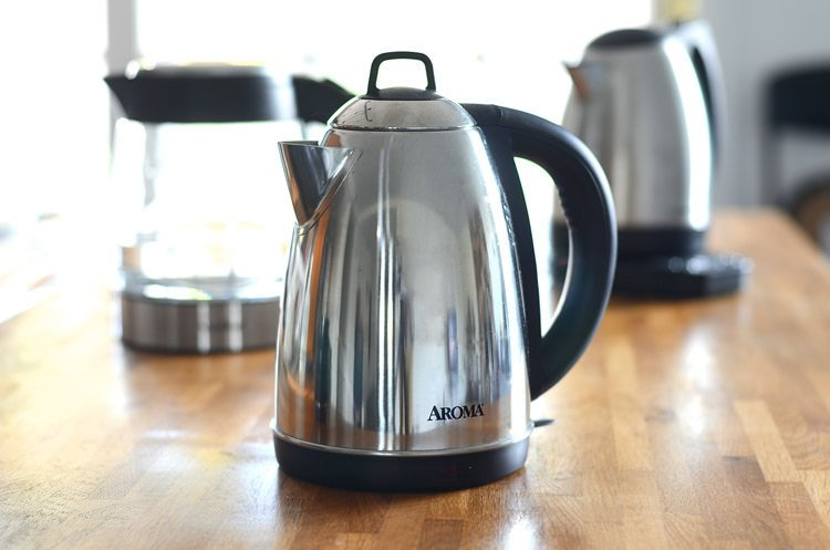 an image of 3 electric kettles